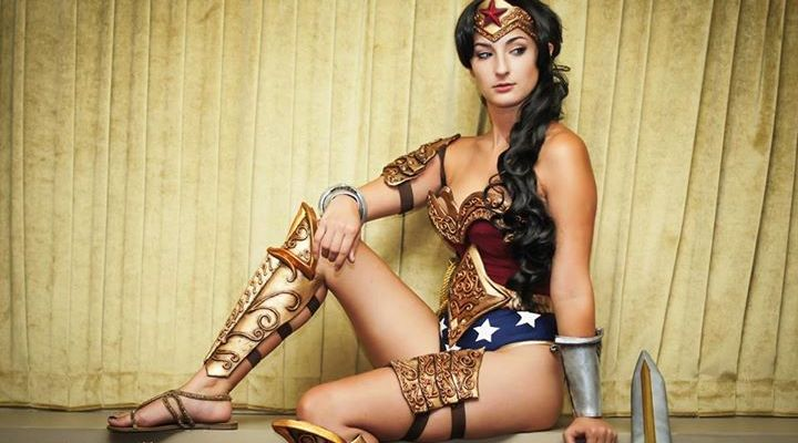 awesome wonder woman cosplay