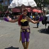 SDCC 2017 - cosplay parachute Batgirl