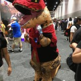 SDCC 2017 - cosplay dinosaur Deadpool