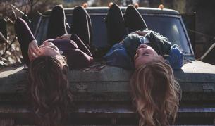 female_friends
