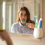 Puede que estés dañando tus dientes al cepillarlos sin darte cuenta: ¿por qué?