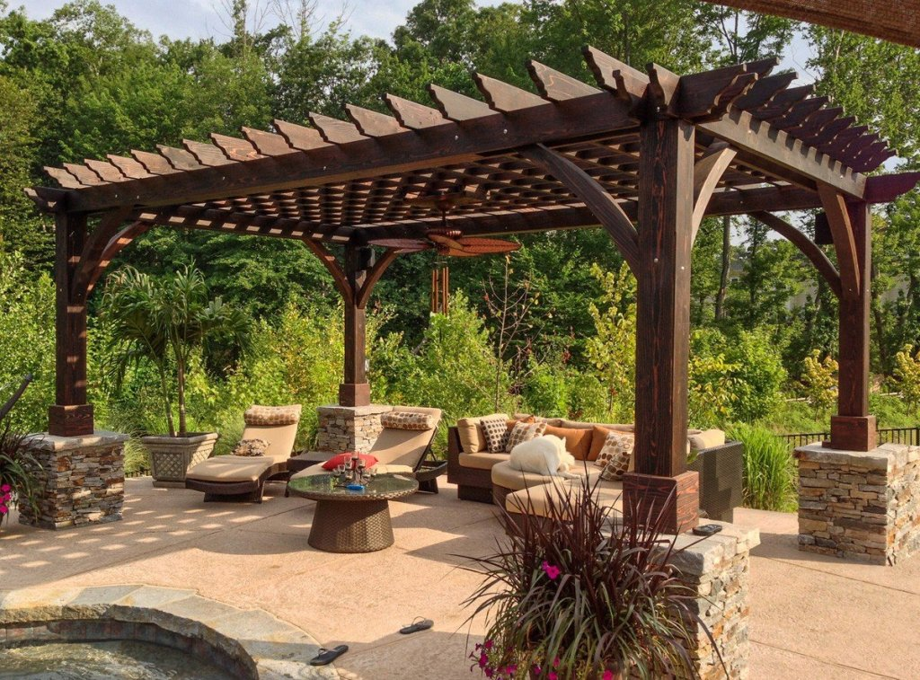 How to properly maintain your garden pergola during the summer months