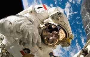 Astronaut Wallpaper