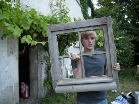 Johnny Flynn_window1