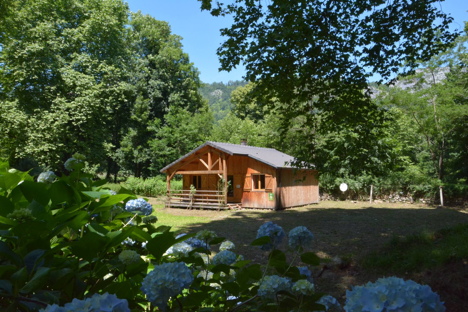 Les forges d 39 enfalits chambres d 39 h tes ari ge pyrenees for Chambre d hotes pyrenees