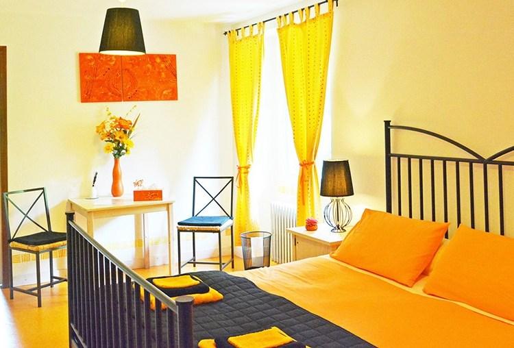 Les Forges d'enfalits - chambres d'hotes en Ariège - chambre Paprika - bandeau N°07
