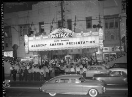 26th_Annual_Academy_Awards_at_RKO_Pantages_Theater_in_Los_Angeles,_1954