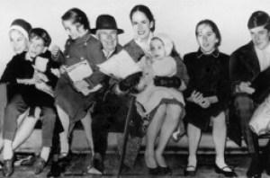 800px-Chaplin_family_1961
