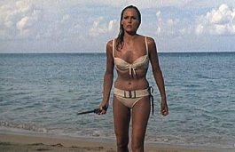 Ursula_Andress_in_Dr__No