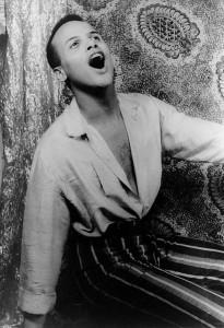 Harry_Belafonte_singing_1954