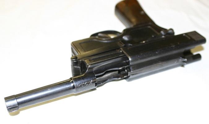Vitali 1910 pistol
