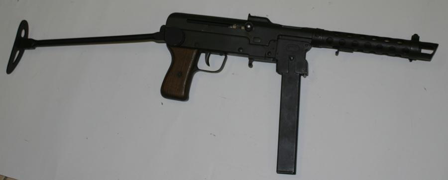 Italian FNA-B43 submachine gun