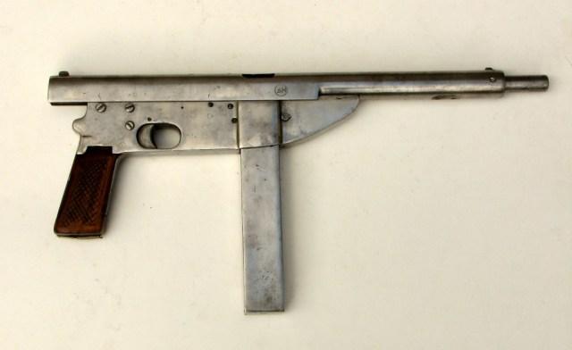 Polish Beha submachine gun