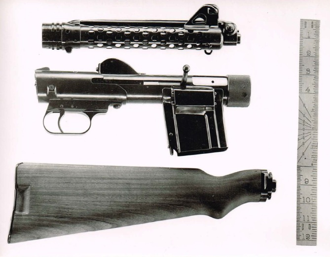 Vesely V-43 paratroop submachine gun, disassembled