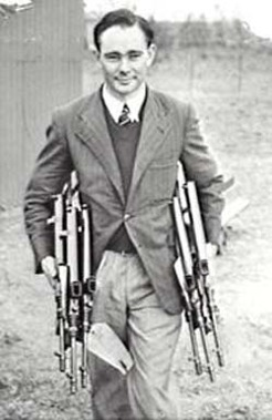 Evelyn Owen with his guns