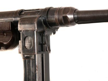 MP40/I dual magazine SMG