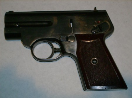 S4M pistol, left side