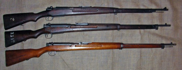 Thai rifles compared to a Type 38 Arisaka