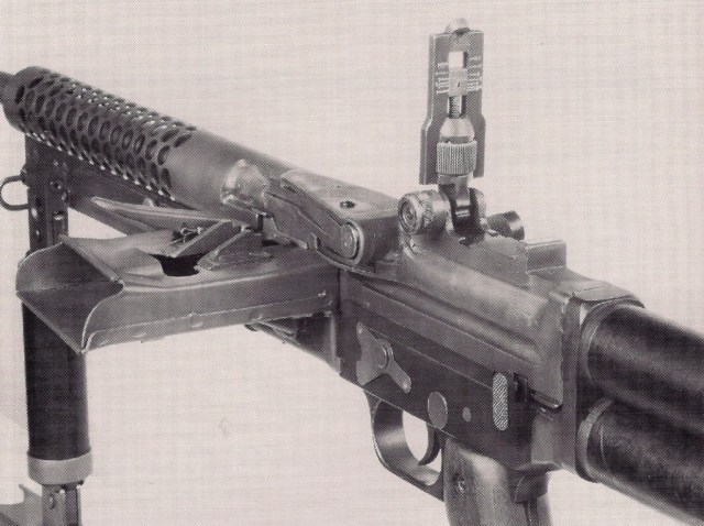 Johnson M1944E1 light machine gun