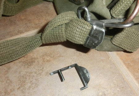 Broken buckle on a M1945 field pack