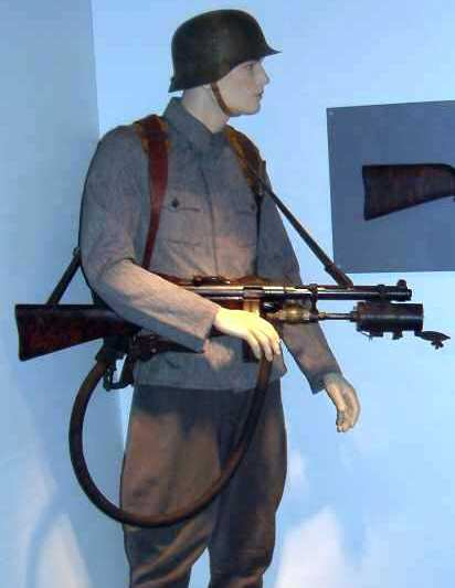 Suomi m/31 SMF with underbarrel flamethrower