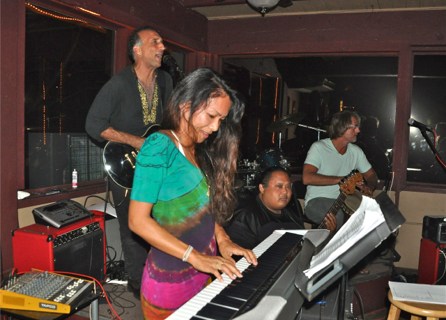 The Kaua`i Vibe Tribe