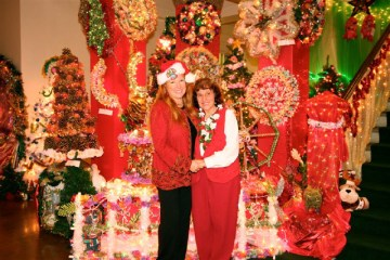 The late Aunty Josie Chansky and Elizabeth Freeman, Festival of Lights founder and art-director. Photo by Tim DeLaVega