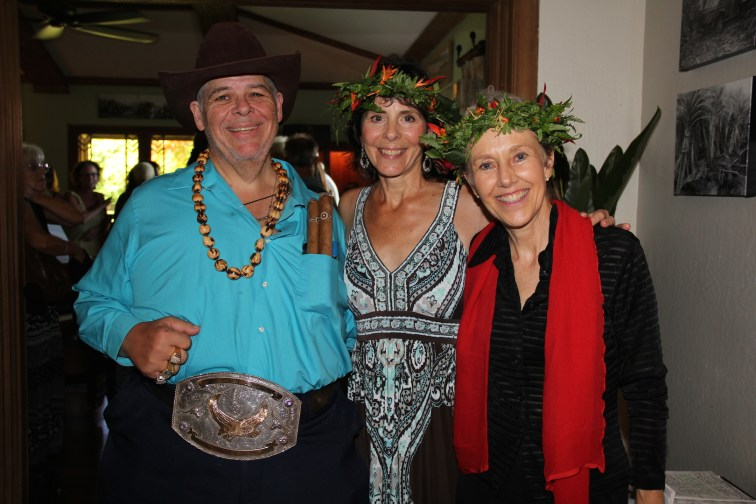 Big John Petito of New York, Melissa Mojo of Kapahi, center, and Trishana Star of Kilauea.