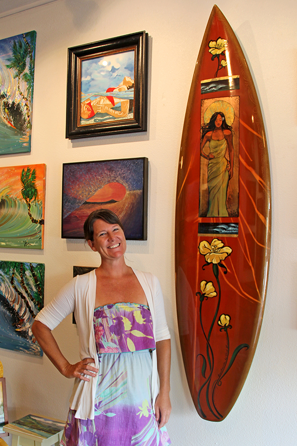 The Bright Side Gallery in Hanapepe specializes in surf art, but here they went the extra mile, by offering a surfboard shaped by surfing legend Dick Brewer and painted by surf artist Wade Koniaskowski. Up close, the gold leaf and metallic paint really blossoms the beauty of this priceless artwork.