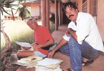 Andy Bushnell, left, and Randy Wichman are seen here retrieving records from Kekaha Sugar Co. in 2000. Photo by Kaua'i Historical Society