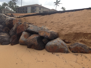Pono Kai Seawall repair and beach nourishment project, December 2015. Photo by Ruby Pap