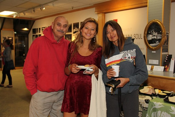Asia Kaden, in between her parents Bob and Ester Kaden