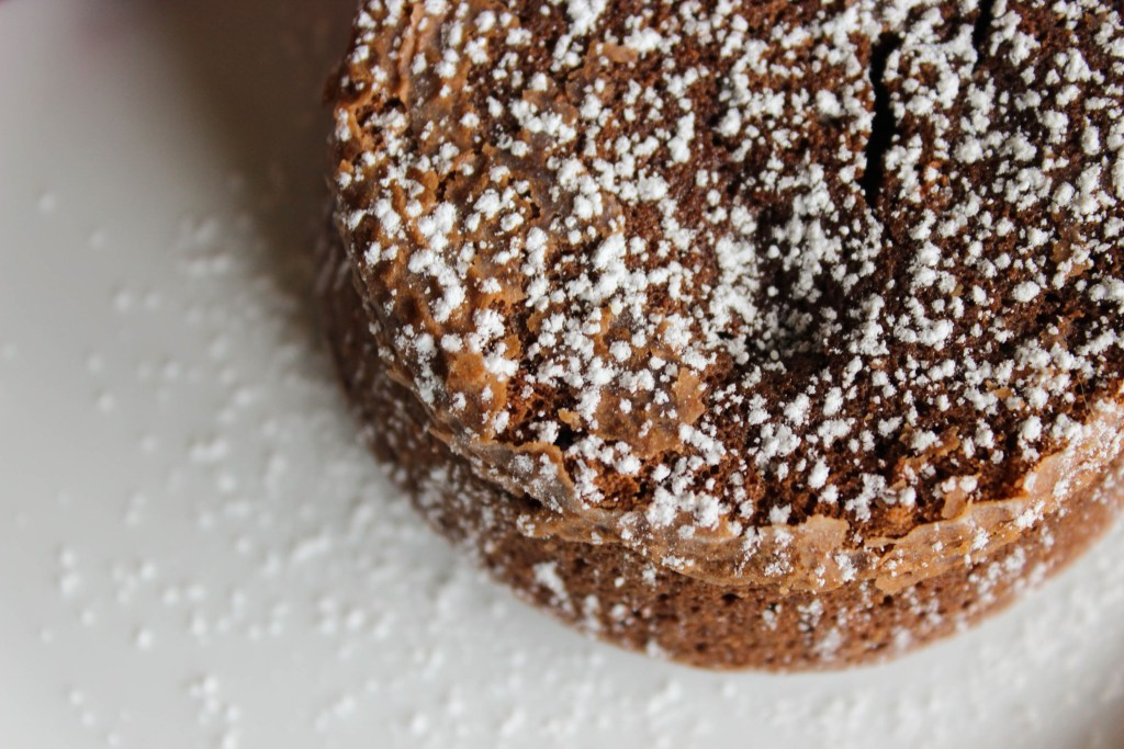 close up molten chocolate cake