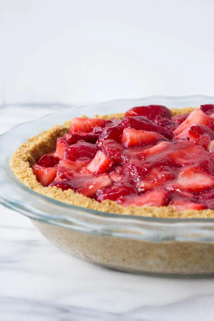 Summer Strawberry Pie - a sweet, no-bake summer dessert made without gelatin! | Fork in the Kitchen