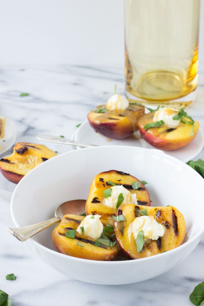 Mascarpone Grilled Peaches with Honey Sauce | Fork in the Kitchen