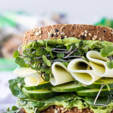 Super Green Sandwich - a healthy, quick, nutritious lunch perfect for busy weekdays! | Fork in the Kitchen