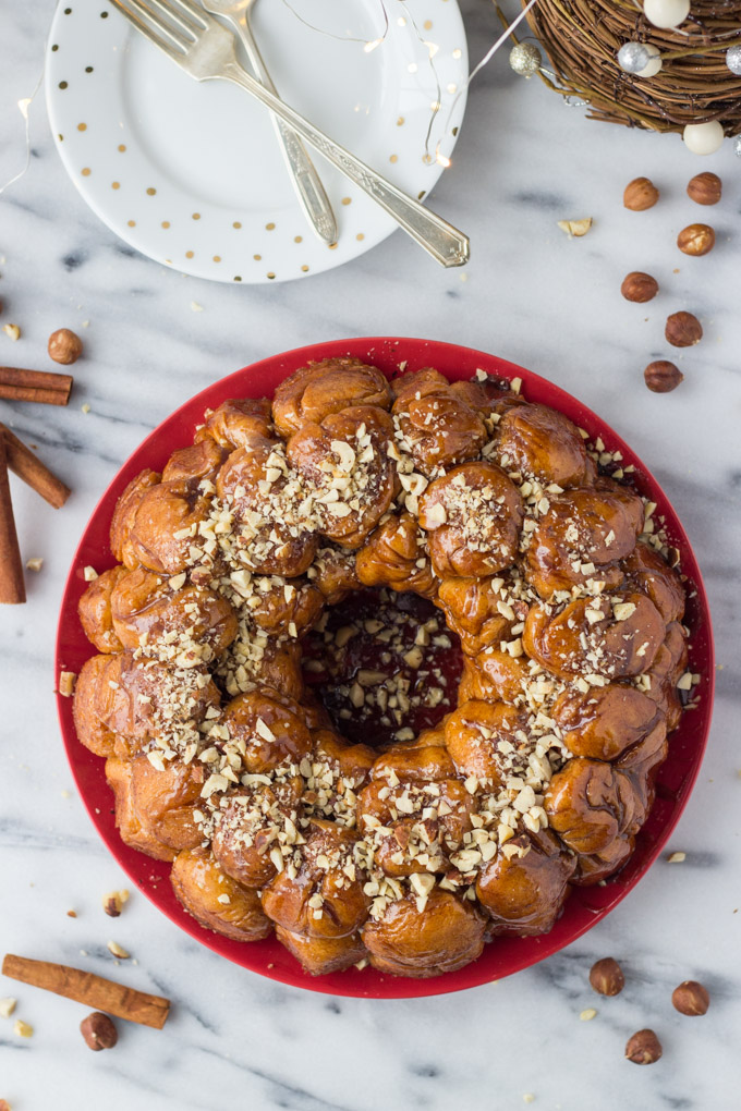 Homemade Hazelnut Monkey Bread - with the warm spice of nutmeg and toasted hazelnuts! | Fork in the Kitchen