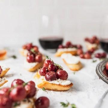roasted grape crostini with wine