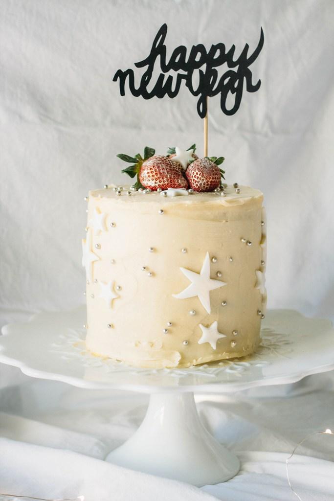 strawberriesandchampagnecake-2