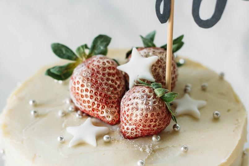 strawberriesandchampagnecake-3