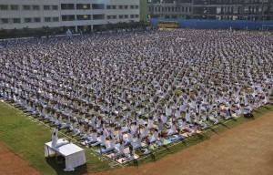 yoga-multitud2-a