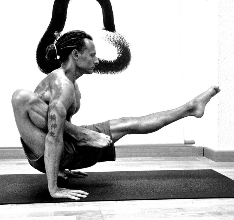 Currículum de Ricardo Ferrer | Formación Yoga