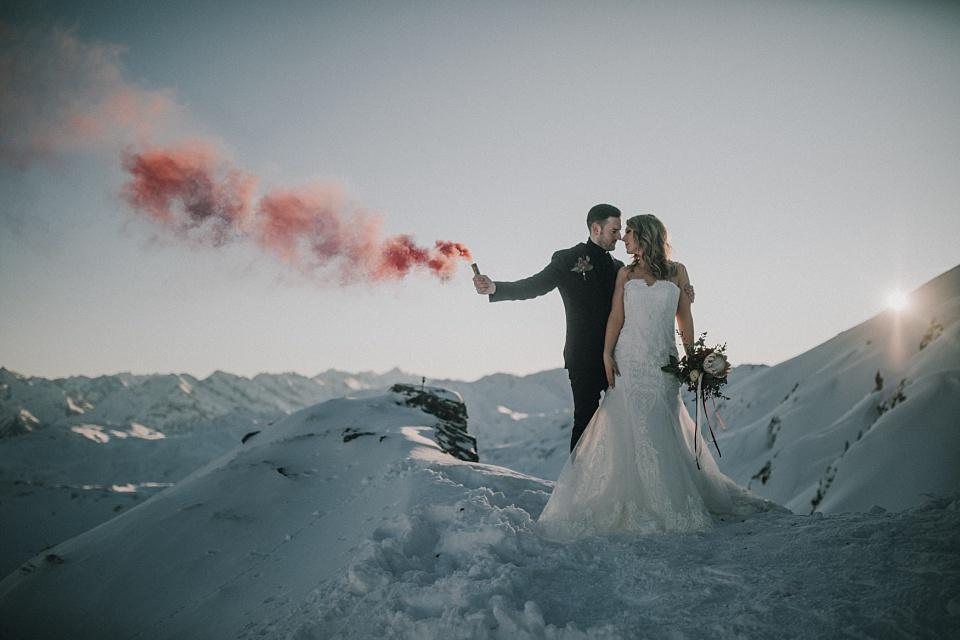 After Wedding Shooting, Zillertal, Brautpaar, Rauchbombe