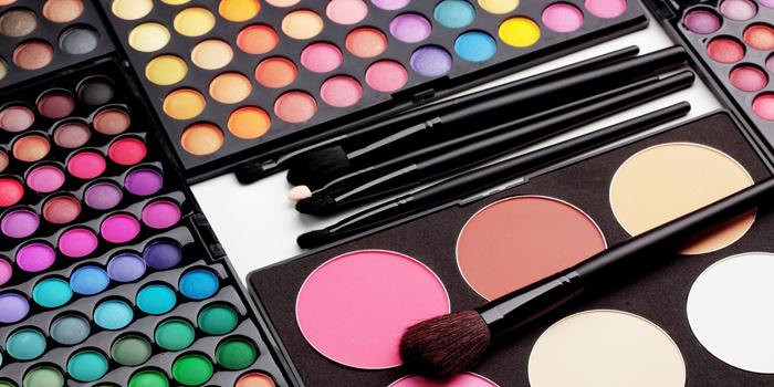 formation conseil en image - cours de maquillage