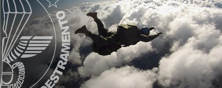 Lancio paracadutismo AFF