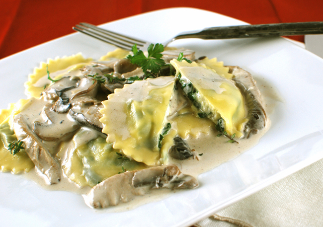 Goat Cheese And Spinach Ravioli With Creamy Mixed