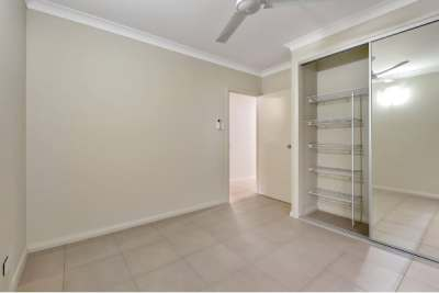 Abode New Homes Mirror Doors Closet maid shelving and tiled floors