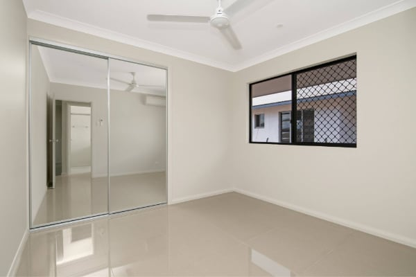 Abode New Homes Mirror Doors & tiles floors