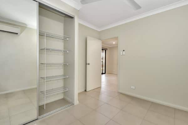 Abode New homes mirror doors & closet maid shelving