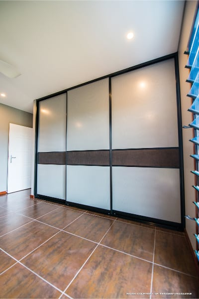 Bedroom Sliding Doors with mesh panels and crocodile wall paper